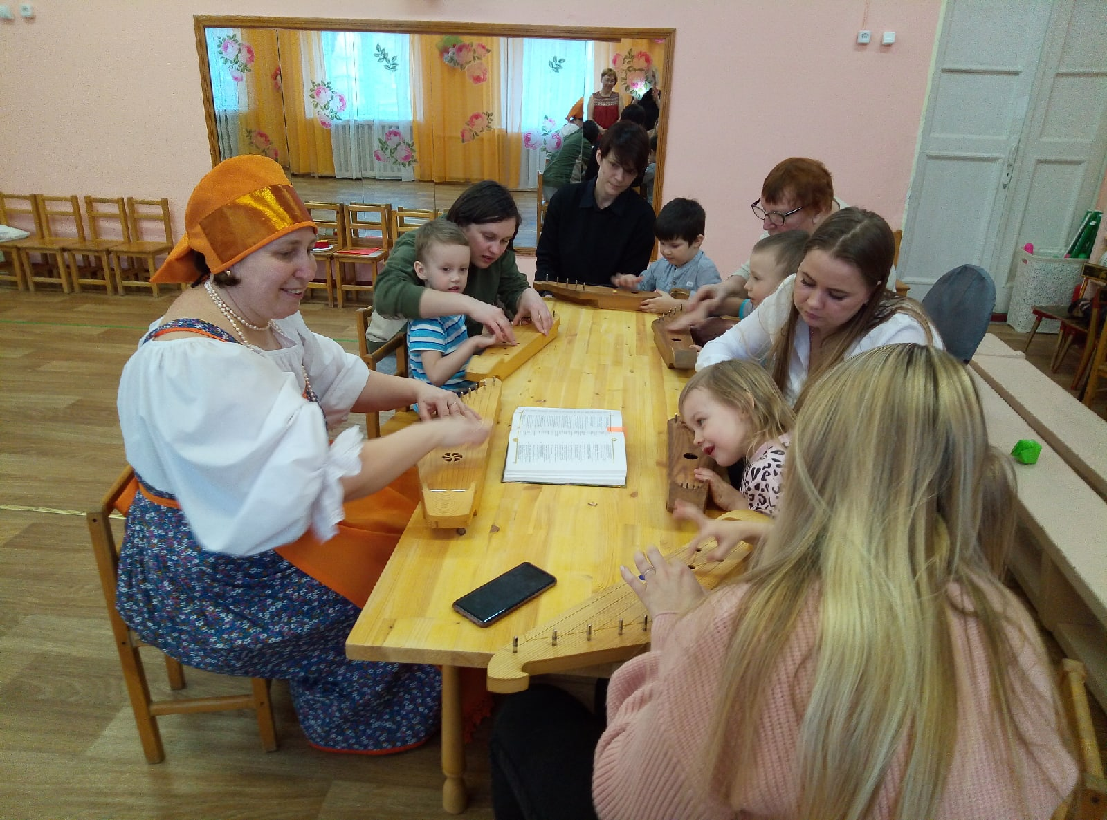Mater class at Lumikello kindergarten in Petrozavodsk